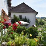 Blick auf den Garten am Schafflhof im Mühlviertel