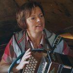 Andrea mit der steirischen Harmonika